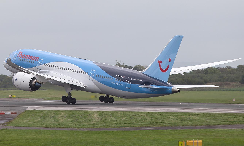 Thomson_Boeing_787-8_G-TUID_MAN_(UK)
