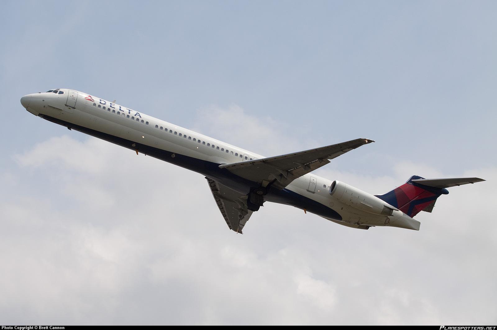 n908de-delta-air-lines-mcdonnell-douglas-md-88_PlanespottersNet_094722