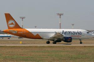 Armavia_Airbus_A320_Misko-1