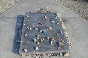Flight_592_memorial_stone