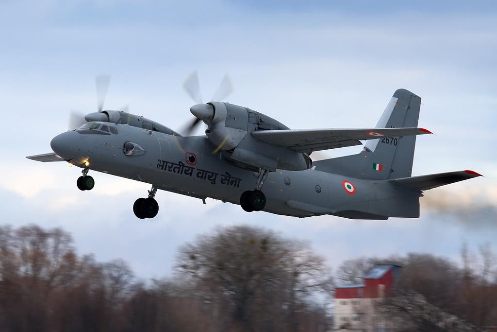 AIR_AN-32RE_Indian_Oleg_V_Belyakov_AirTeamImages_CCASA3_lg