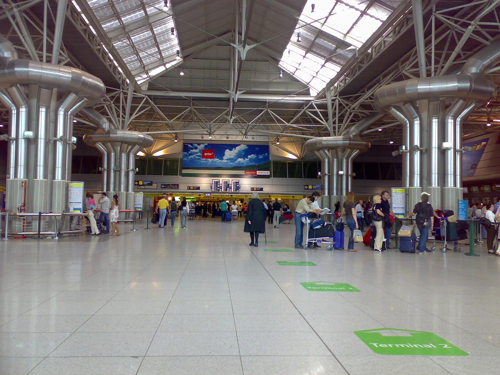 Lisbon_Airport
