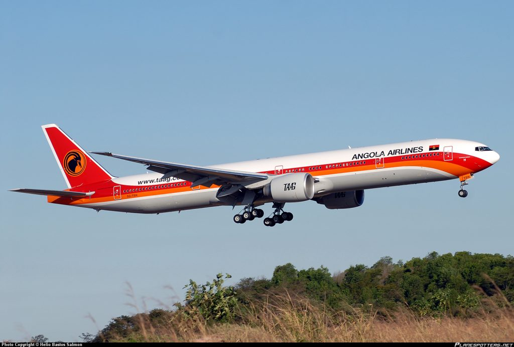 d2-teh-taag-linhas-aereas-de-angola-airlines-boeing-777-3m2er_planespottersnet_256895