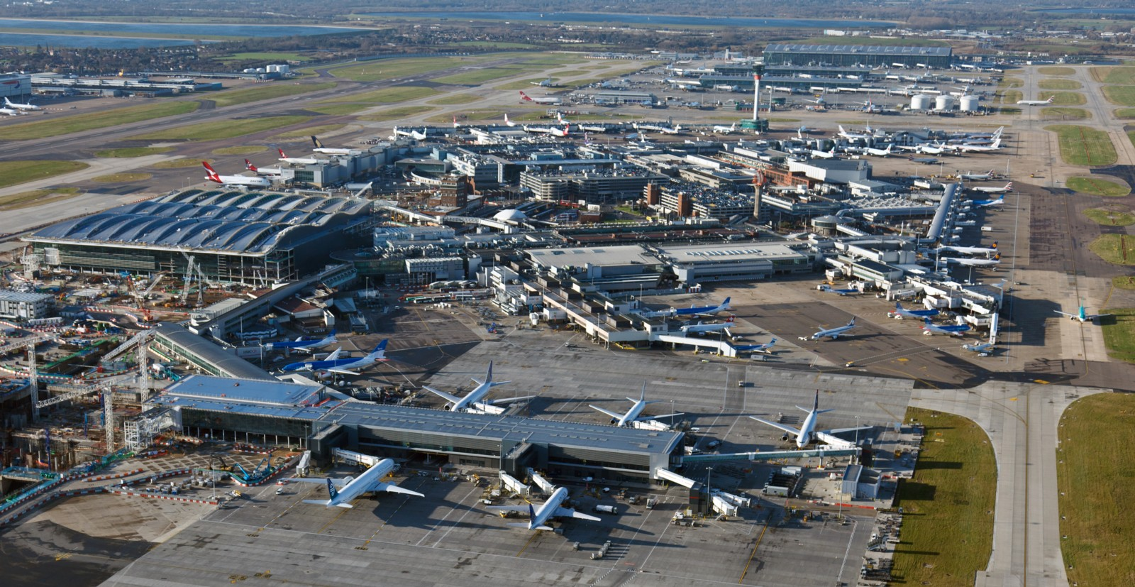 Schiphol, Paris CDG and Frankfurt Airports recover at a much quicker pace than London Heathrow - AIRLIVE