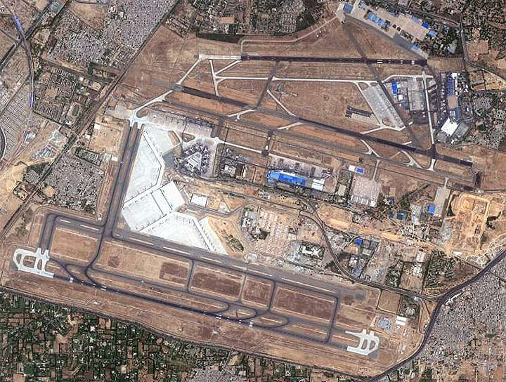 lax terminals map with Alert Air India Ai156 Rejected Take Off At 100 Knots At New Delhi Airport on Los Angeles International Airport moreover Johannesburg Jnbfajs 2 further 17177332 in addition LAX Airport furthermore KEWR.