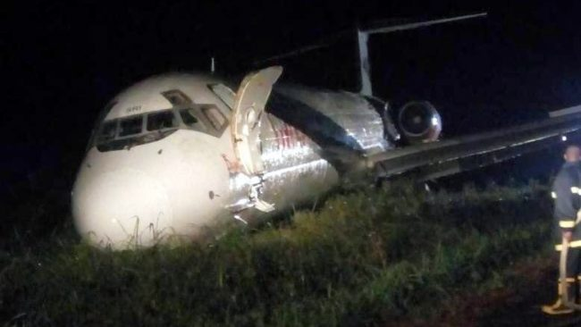 Image of plane after evacuation. Credit: @crashaerien