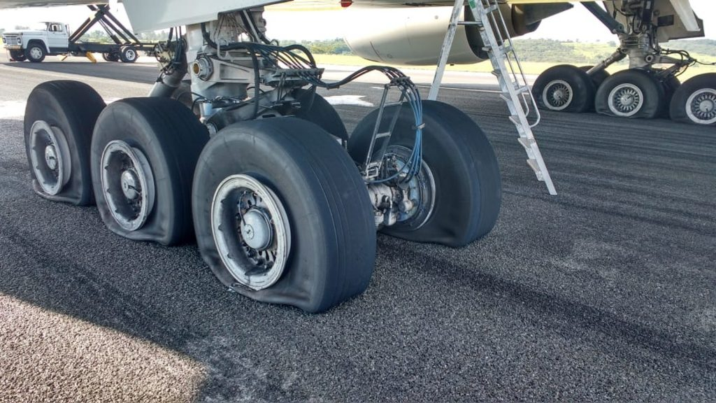 LATAM Boeing 777-300 #LA8084 to London Heathrow made an