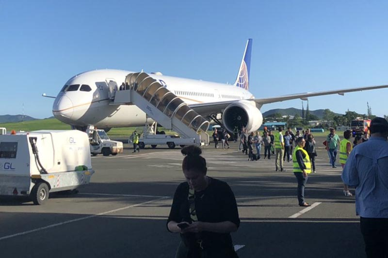 INCIDENT United #UA99 Boeing 787-9 from Melbourne to LAX diverted to