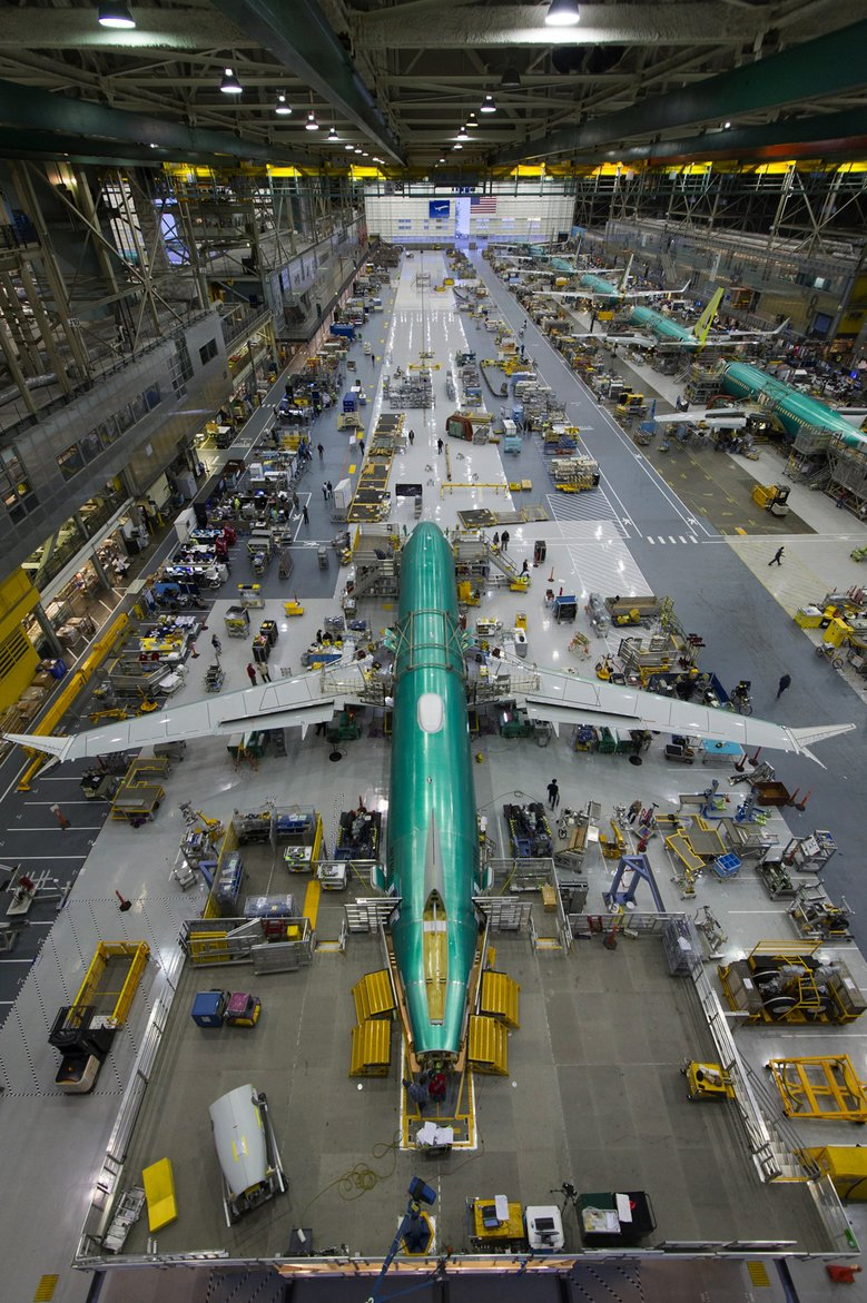 """BREAKING The FAA confirmed reviewing a """"potentially catastrophic"""" wiring issue that could cause a short circuit on the Boeing 737MAX - AIRLIVE"""