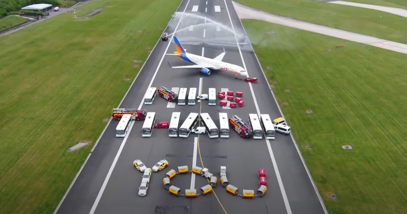 Manchester airport workers create incredible tribute to NHS (video) -  AIRLIVE
