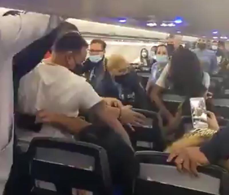 A Spirit Airlines Female Passenger Has Been Tasered After Brawl Following Refusal To Wear A Mask Video Airlive